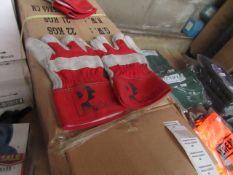 10x Predator - Work Gloves - Size 8 - New & Packaged.
