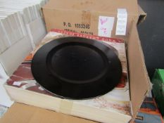 Set of 4 Under-Plate in Wood - Unchecked & Boxed.
