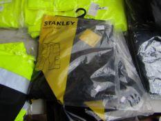 "Stanley Warren Shorts - Size 38"" Waist - New & Packaged"