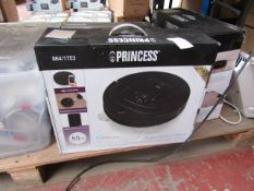 Princess robot vacuum cleaner, vendor suggests tested working and boxed.