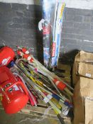 1x BOX OF VARIOUS TOOLS 1541 This lot is a Machine Mart product which is raw and completely
