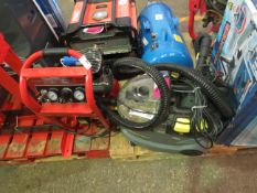 1x CL COMP PION220 110V 1586 1x KR CARPETC PUZZI8/1C 1586 This lot is a Machine Mart product which