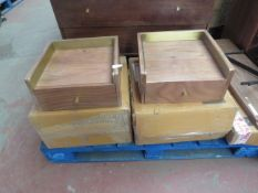| 1X | SET OF 2 SWOON WOOD AND GOLD BEDSIDE TABLES | NO MAJOR DAMAGE AND BOXED | TOTAL LOT RRP CIRCA