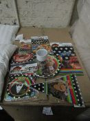 20x The muppets party pack - 6x cups, plates, invitations, napkins, tablecloth, bags, banners -