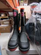 Captain Stagg - Steel-Toe Cap Wellington Boots - Size M - Unused.
