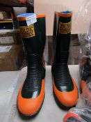 Joltic - Green & Orange Boots - Size LL - Unused.