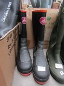Captain Stag - Outdoor Gear Work Boots - Size M - Unused.