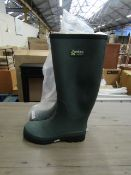 1X PAIR OF FORTEC WELLINGTON BOOTS - SIZE 4 - LOOK TO BE UNUSED