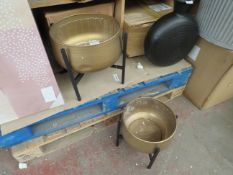 | 1X | COX AND COX SET OF 2 GOLD AND BLACK PLANT POTS | LARGER PLANT POT HAS A DENT ON IT | PALLET
