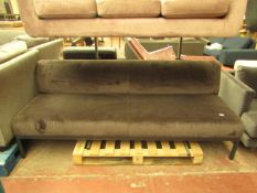   1x   PEARSON LLOYD EDGE BENCH   SOFA CUSHION IS IN GOOD CONITION BUT THERE MAY BE SMALL MINOR