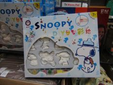 1x YouPaint It - Snoopy DIY Paint Your Own Ornaments 15 Pieces - Unused & Boxed.