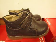 Cool Shoes Childs Brown Ankle Boot With Velcro Fastner Size 11.5 New & Boxed