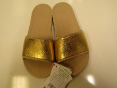 Crocs Sloane Low Sliders - UK Size 5 - Gold & Cream RRP £29.99 New With Tags