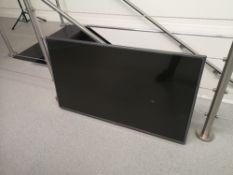 """LG 42"""" Smart TV, Model 42LB63"""