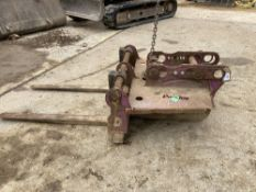 Pallet Forks for ZAXIS130/210 c/w 2 Pins