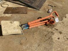 (3) Shocksafe Insulated Shovels