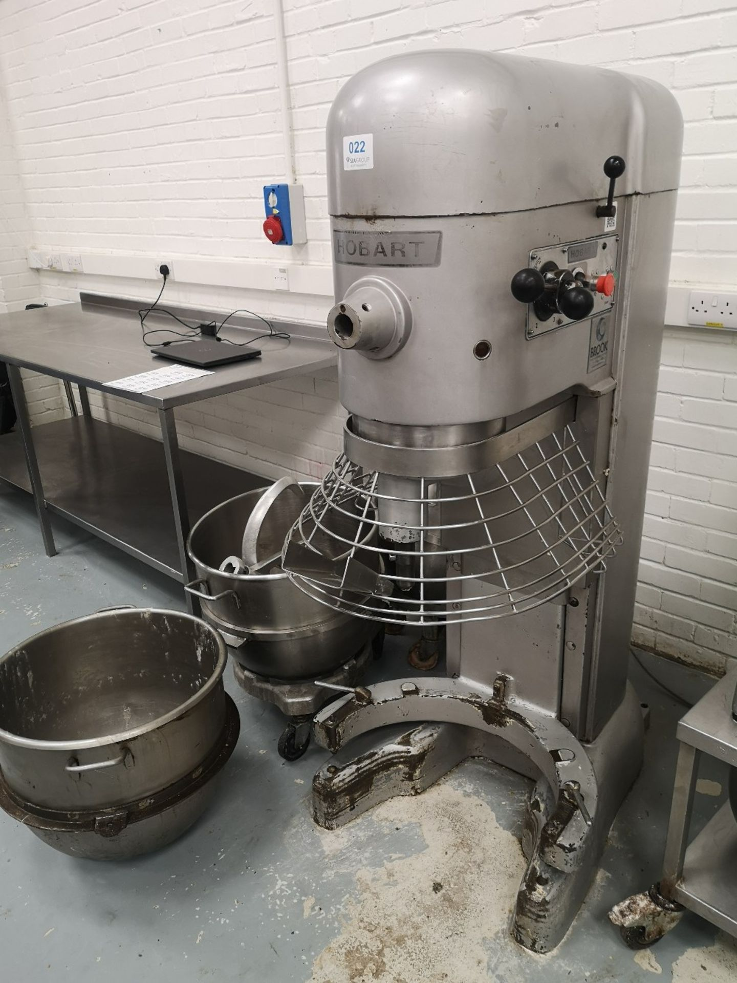 Hobart M802 80 QRT Planetary Mixer with (3) Mixing Bowls - Image 2 of 8