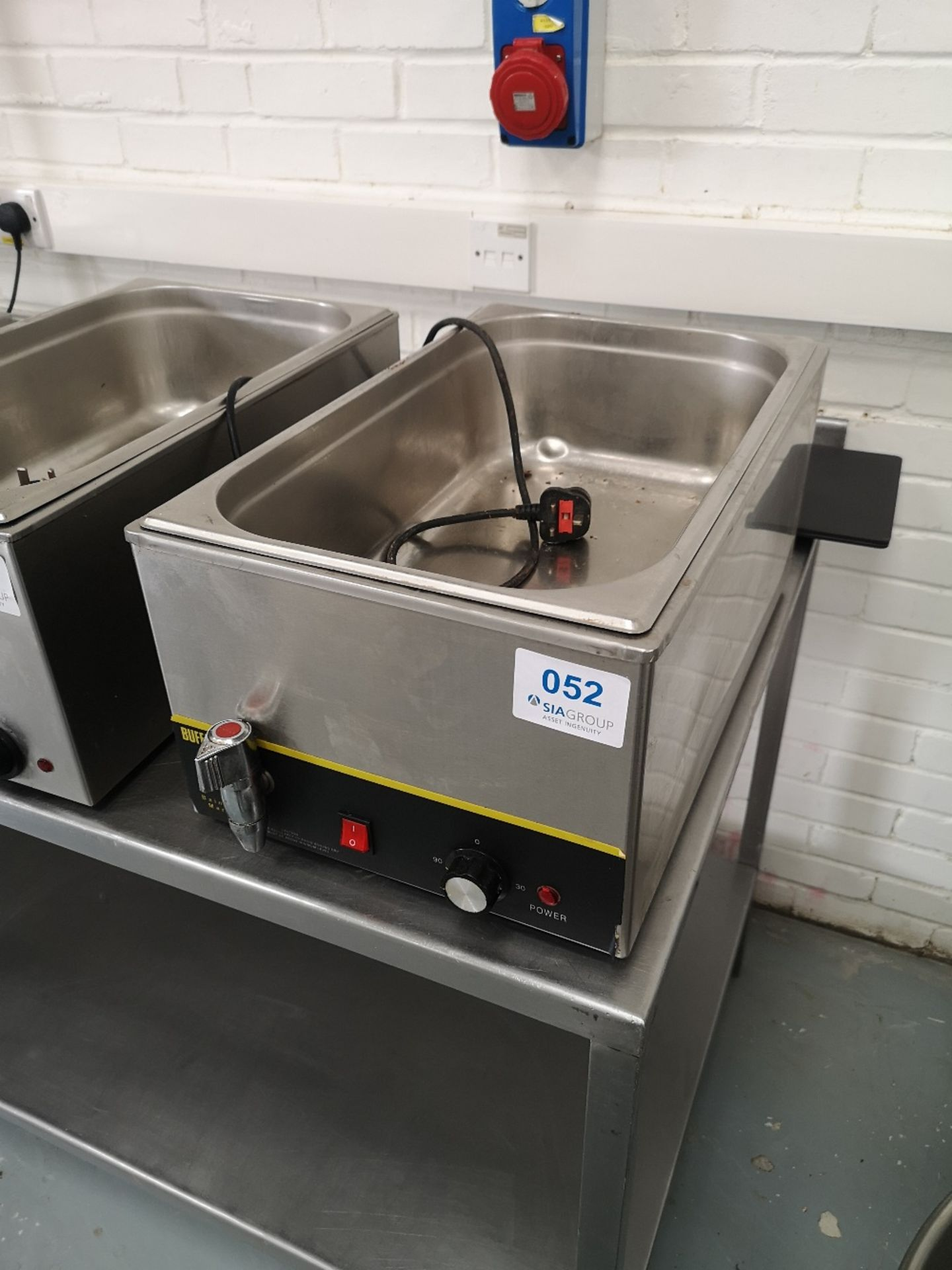 Buffalo S047 Wet Bain Marie With Tap - Image 2 of 4
