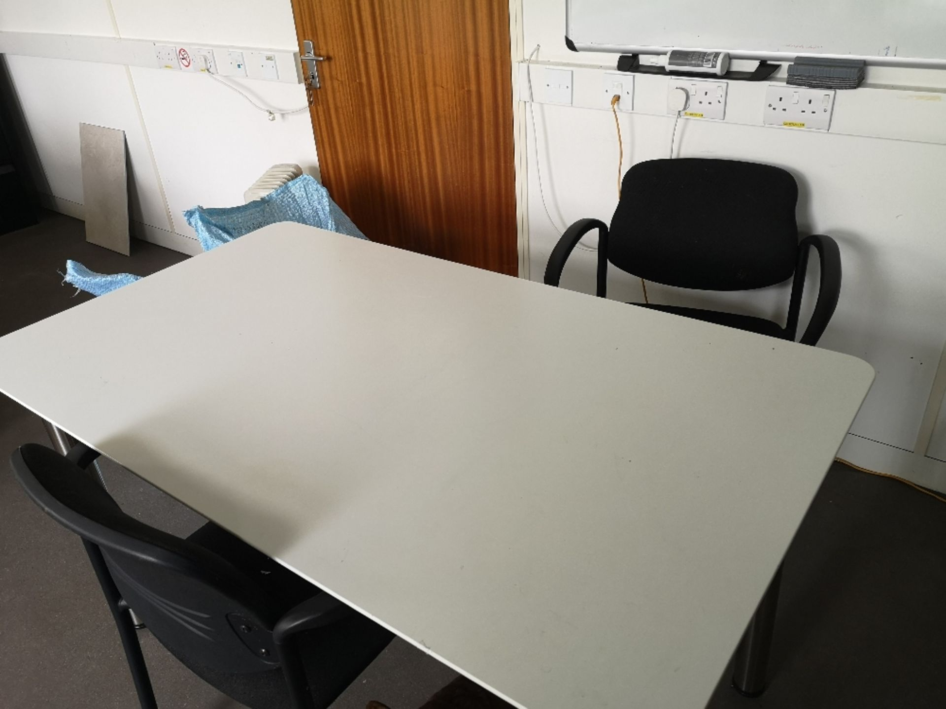 Office Furniture Contents of Room - Image 2 of 9