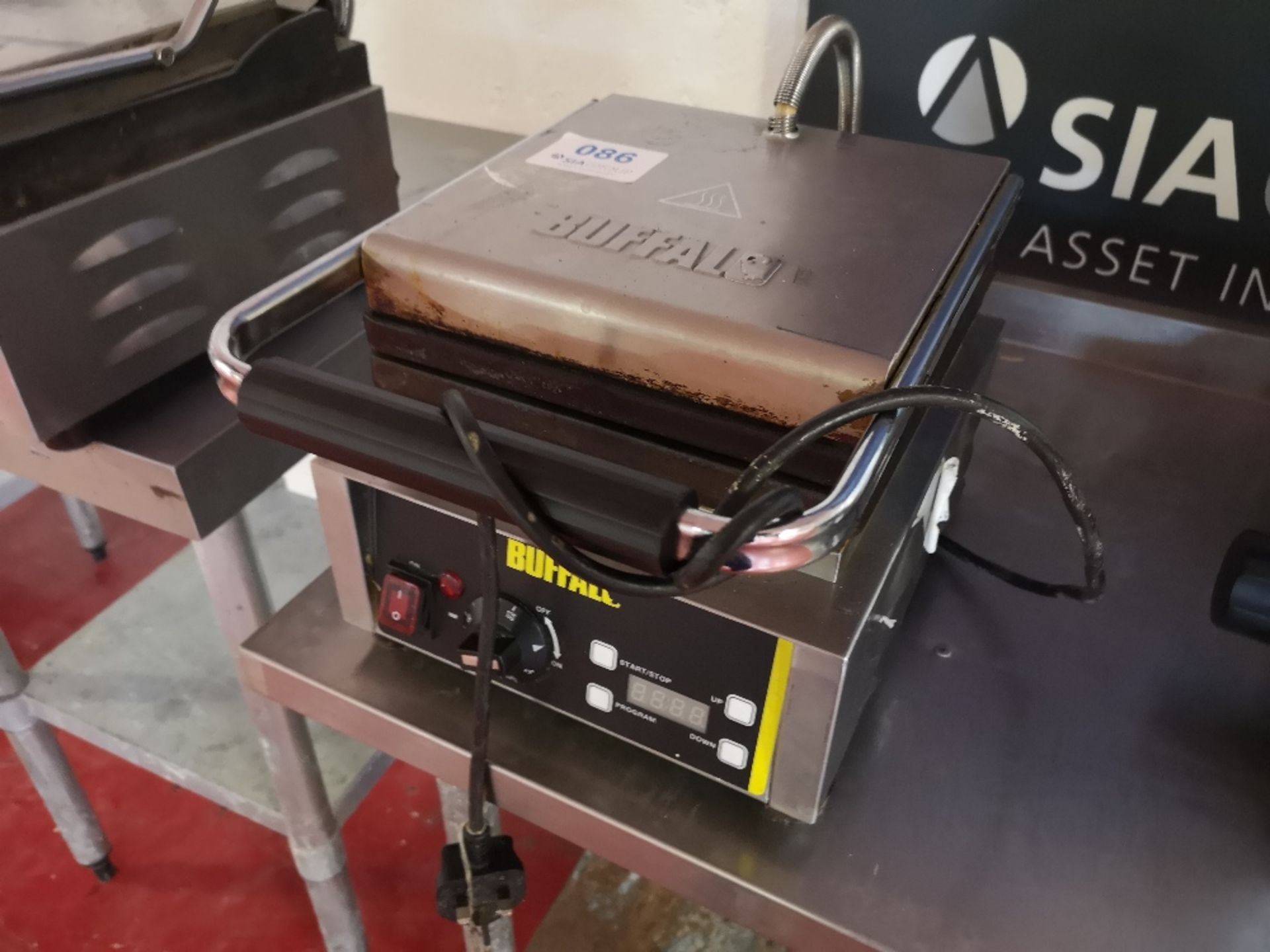 Buffalo GF256-03 Waffle Maker - Image 3 of 5