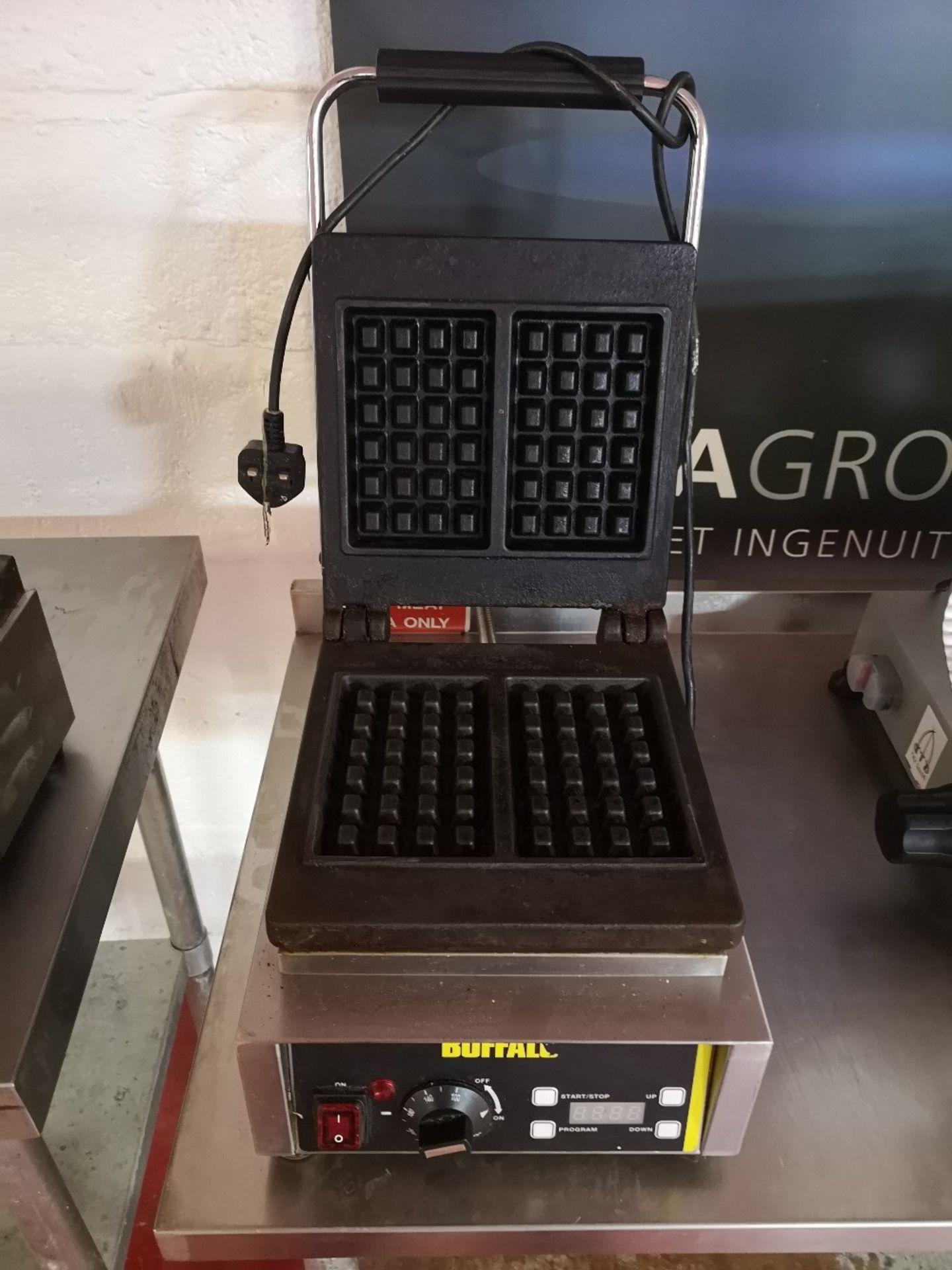 Buffalo GF256-03 Waffle Maker - Image 4 of 5