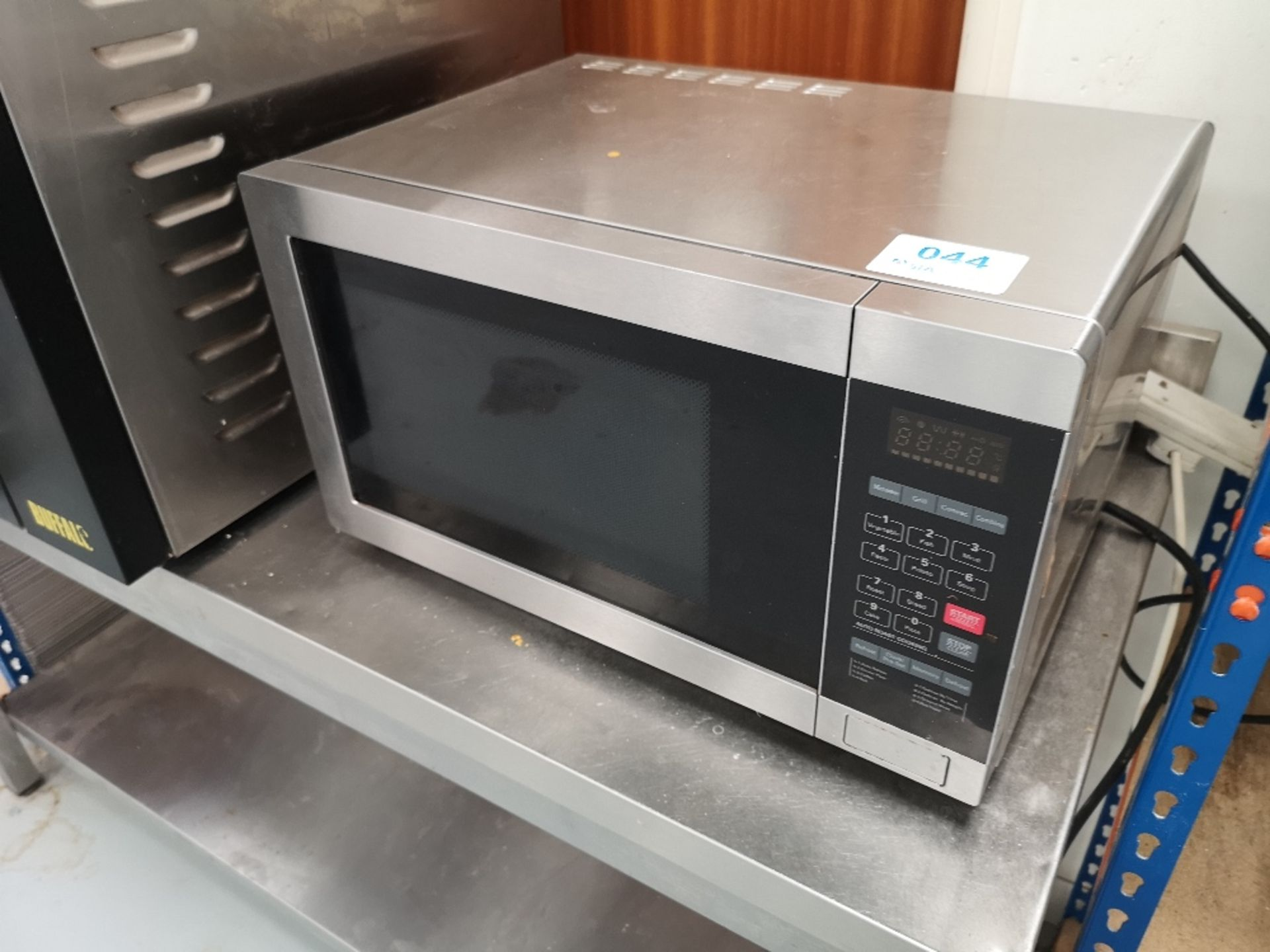 Commercial Microwave Oven - Image 2 of 3