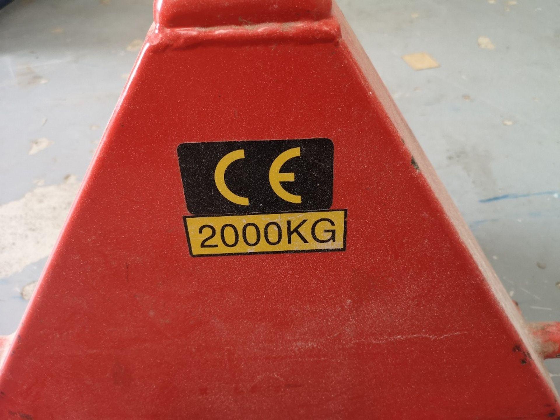 2,000kg Pallet Truck - Image 3 of 3