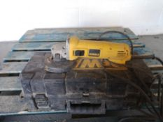 Dewalt D28 113-GB Mini Angle Grinder