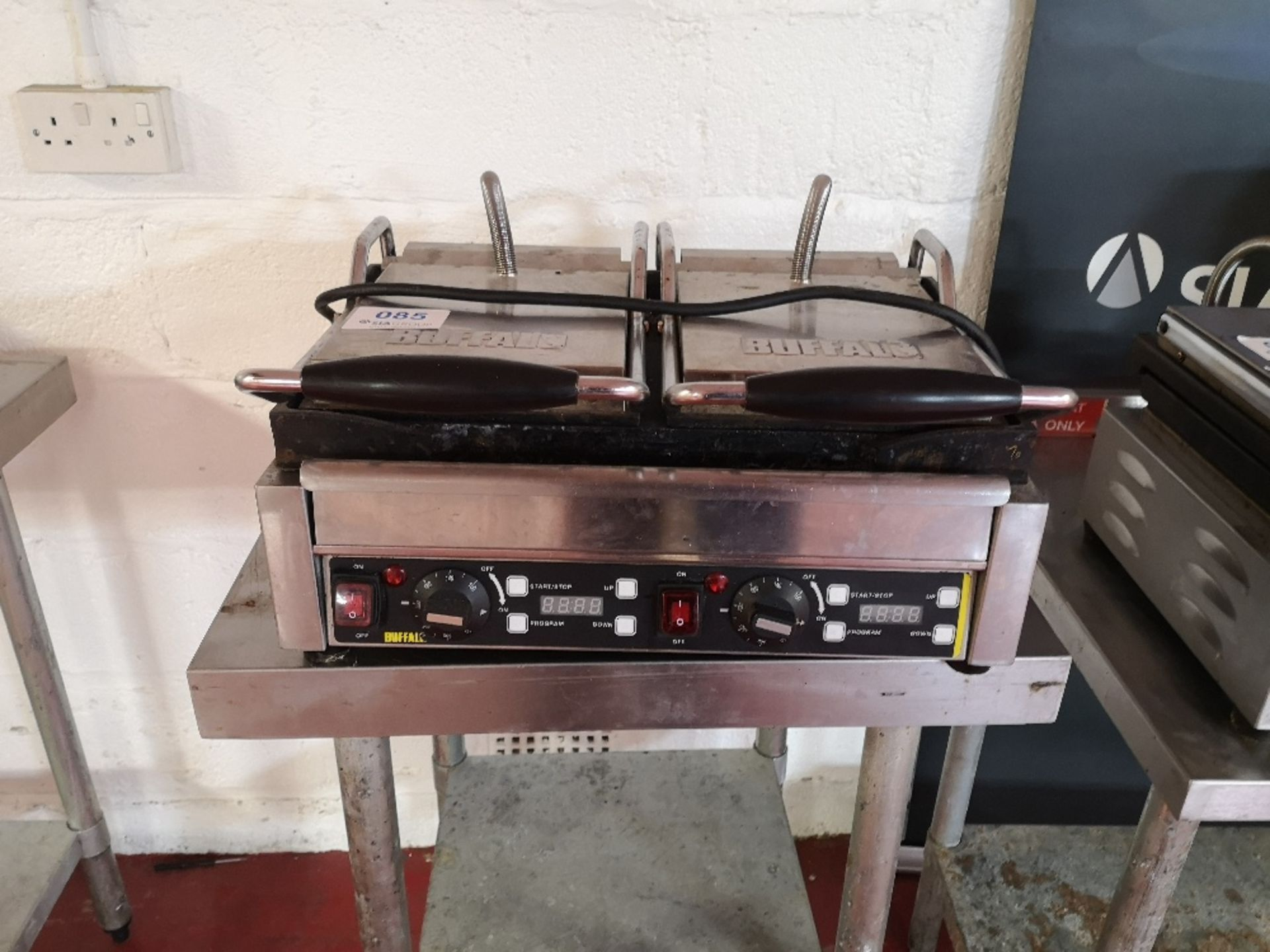 Buffalo L553-B-03 Double Contact Grill