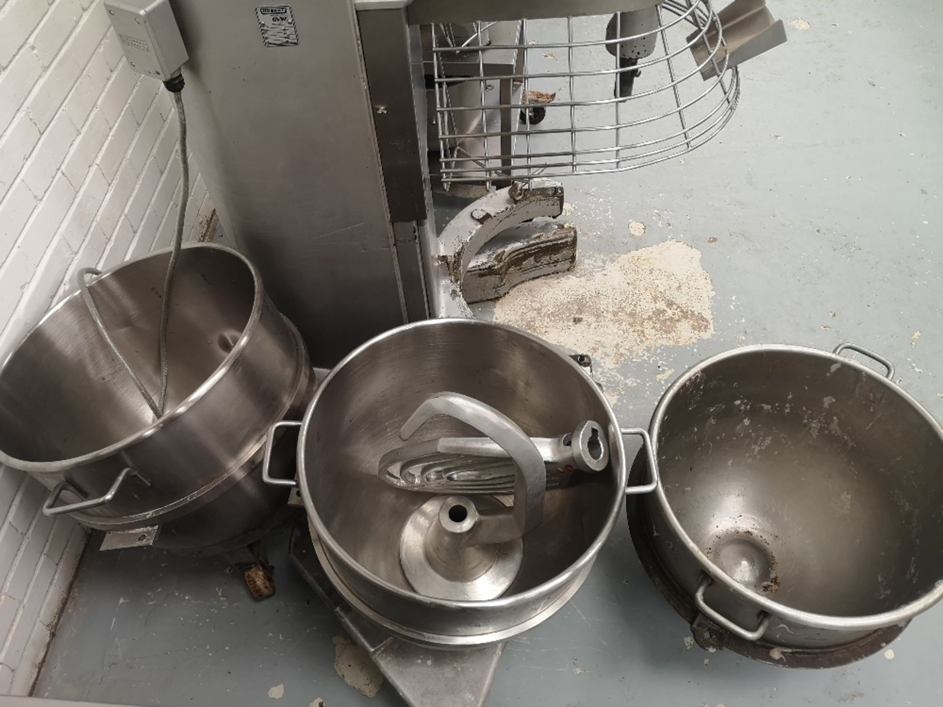 Hobart M802 80 QRT Planetary Mixer with (3) Mixing Bowls - Image 6 of 8