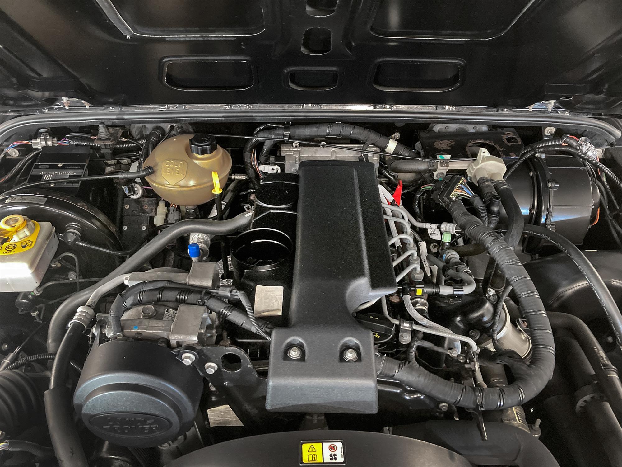 2008 Land Rover Defender 90 SVX - Image 7 of 13