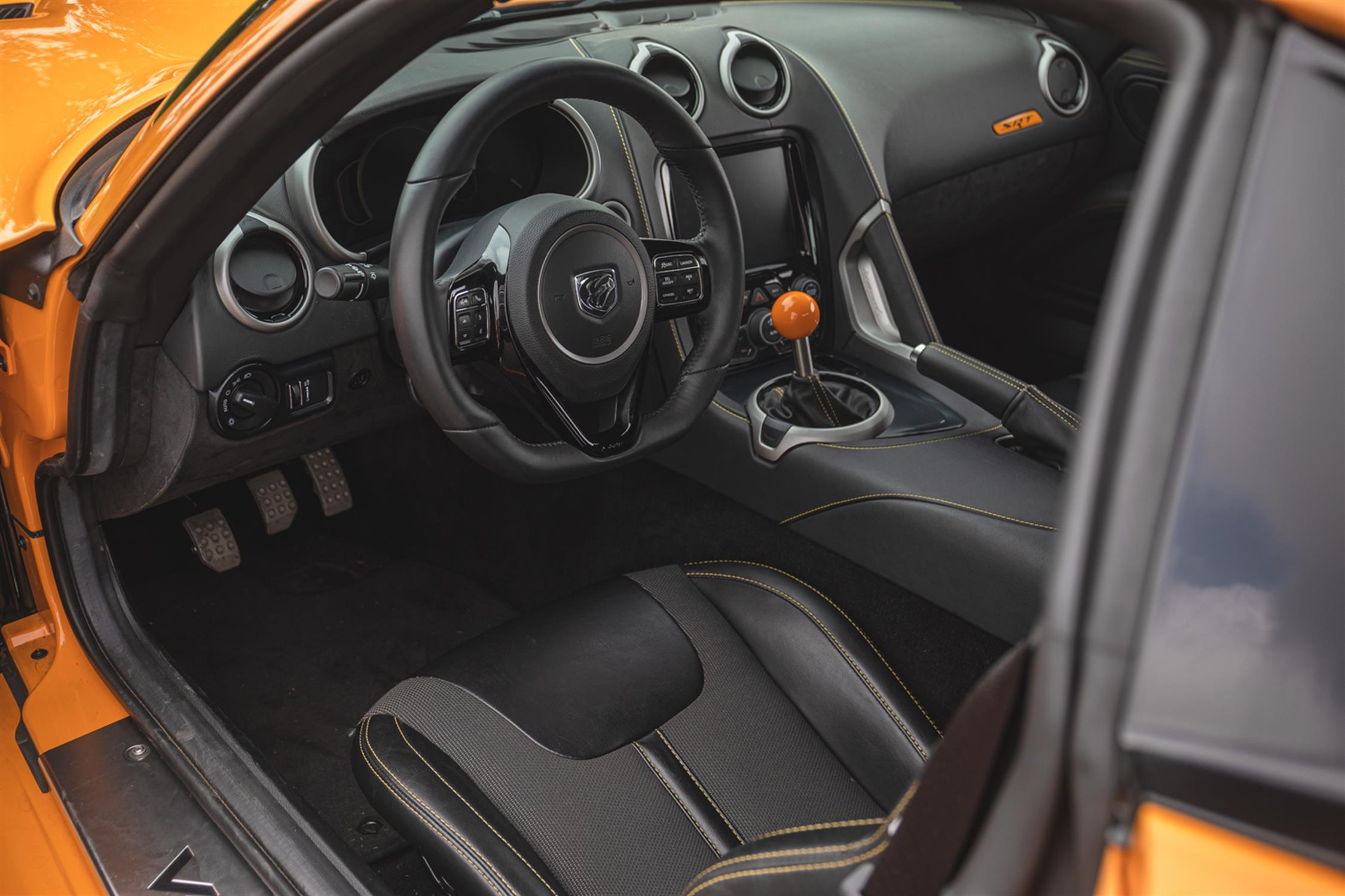 2015 Dodge Viper TA 2.0 6-Speed Coupe - Image 5 of 10