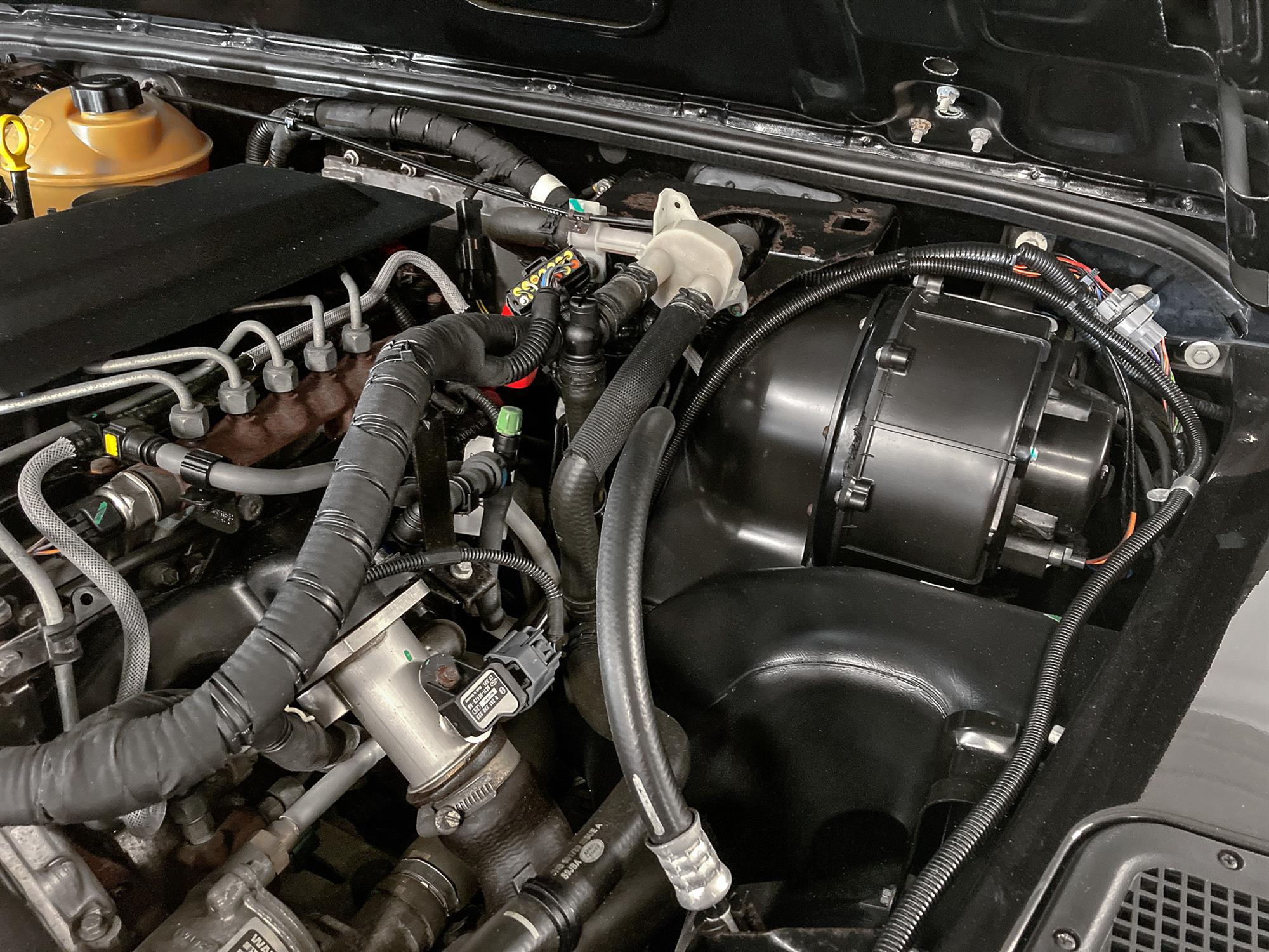 2008 Land Rover Defender 90 SVX - Image 11 of 13