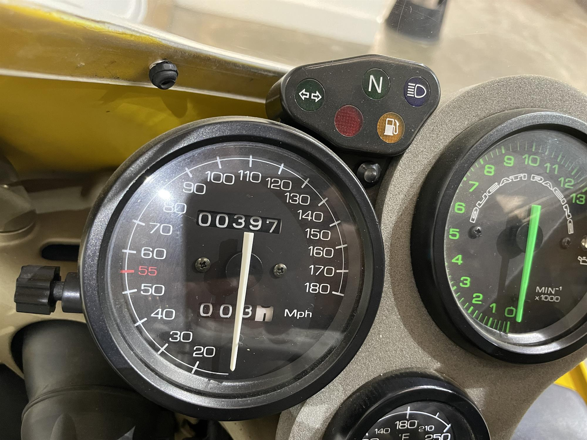 1998 Ducati 748 SPS - Image 10 of 10