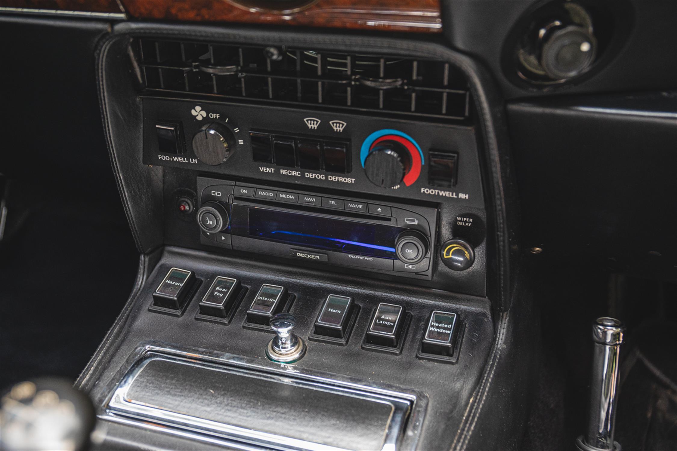 1990 Aston Martin V8 Vantage Coupe X-Pack (Manual) - Image 10 of 10