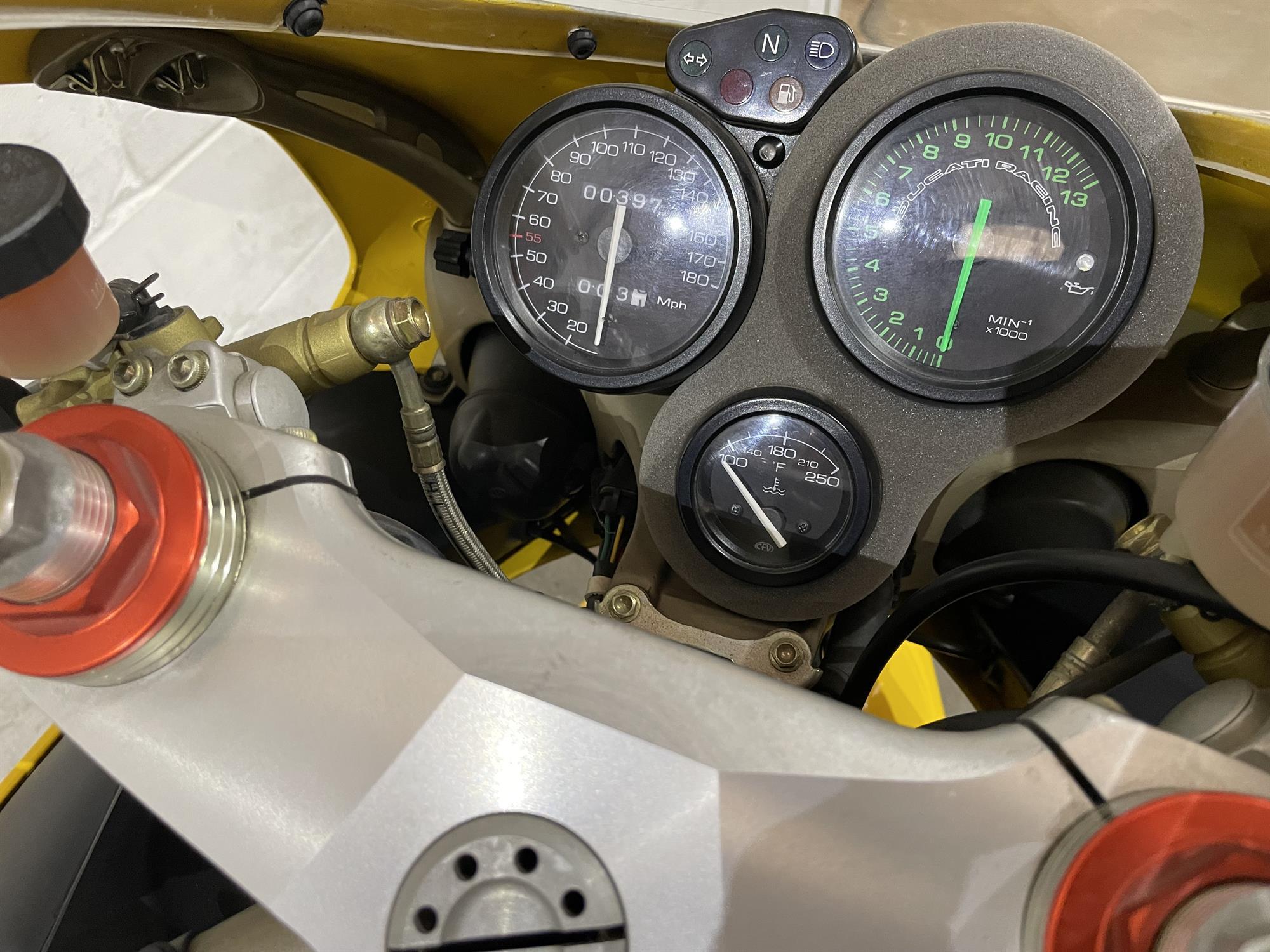 1998 Ducati 748 SPS - Image 3 of 10