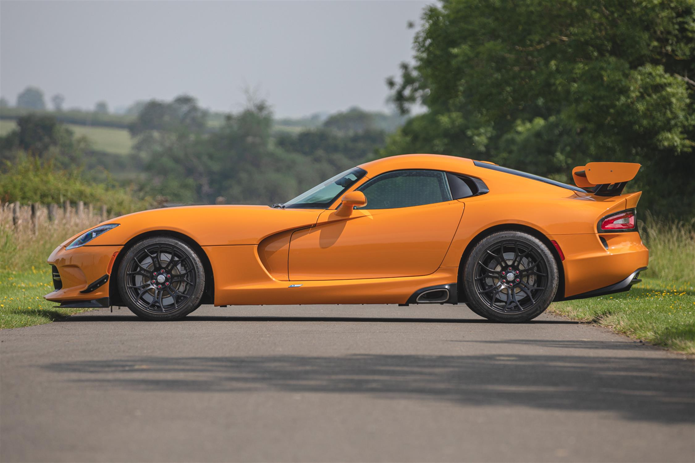 2015 Dodge Viper TA 2.0 6-Speed Coupe - Image 7 of 10
