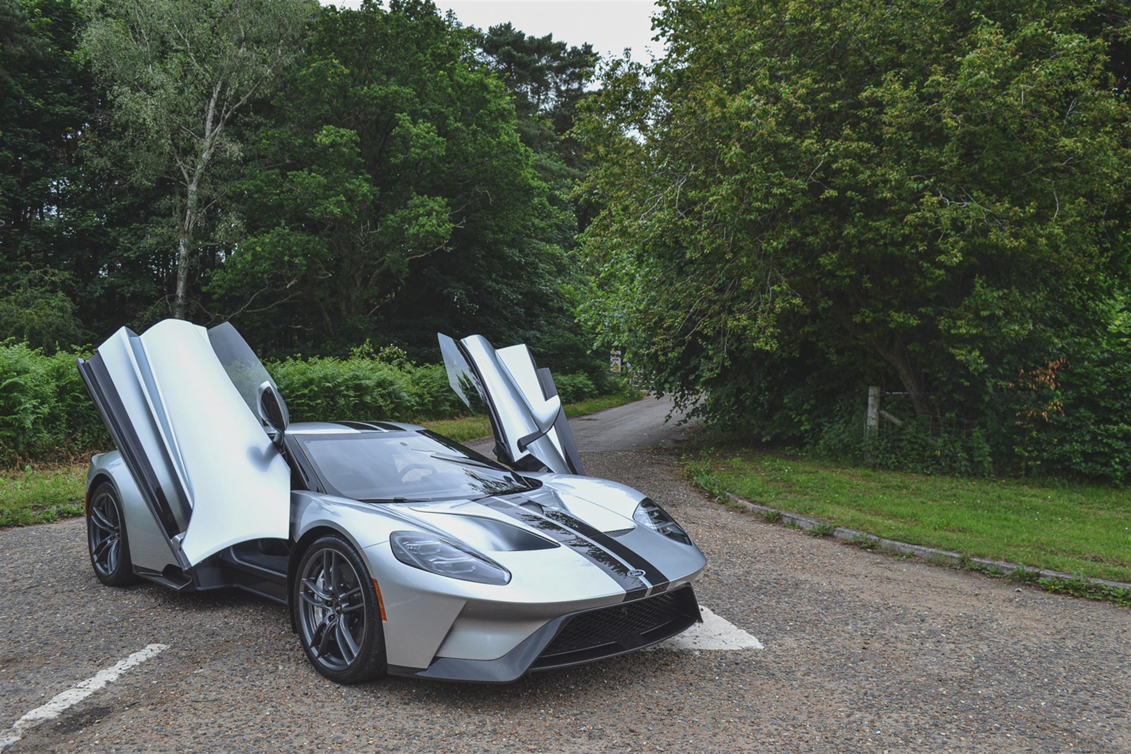 2018 Ford GT - Image 9 of 20