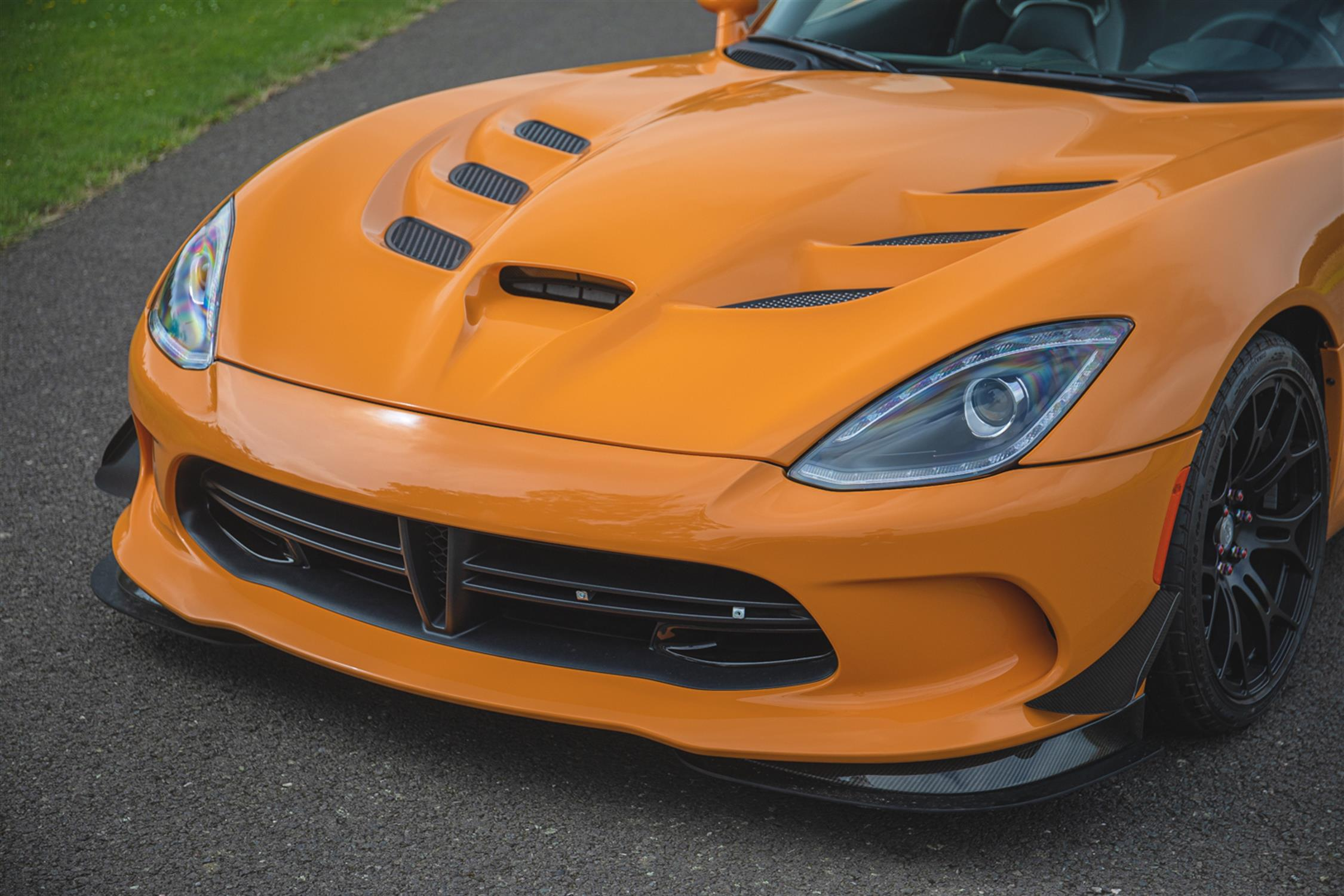 2015 Dodge Viper TA 2.0 6-Speed Coupe - Image 9 of 10