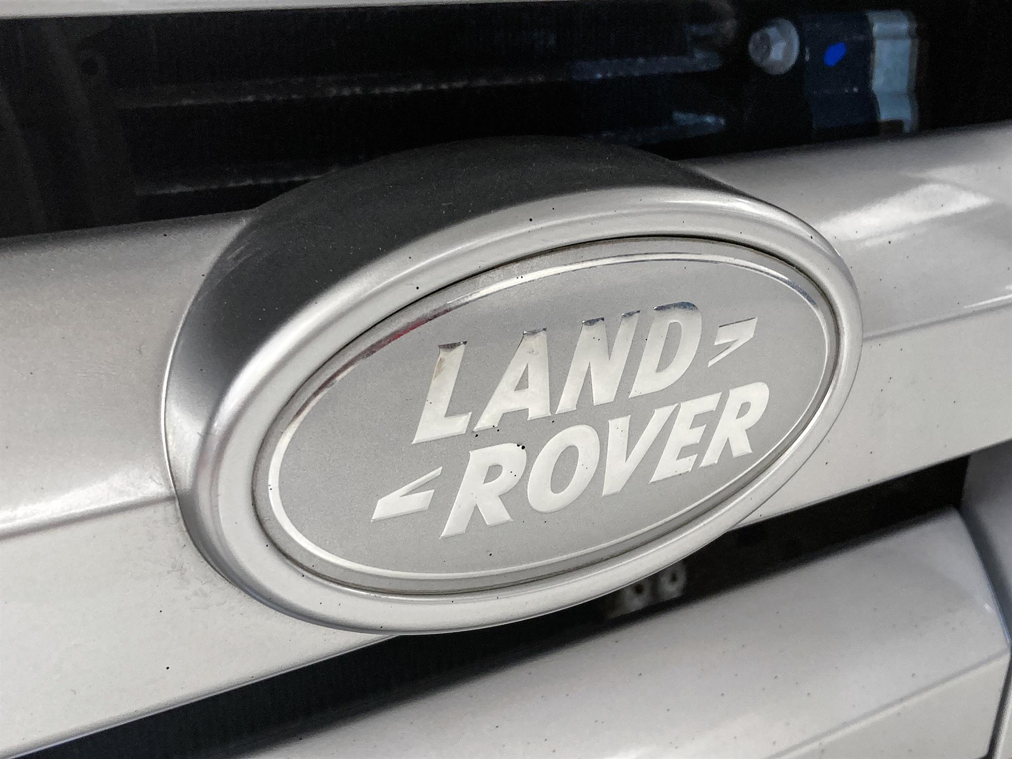 2008 Land Rover Defender 90 SVX - Image 12 of 13