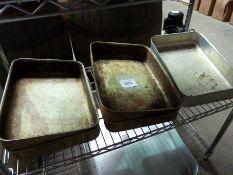 Six baking trays