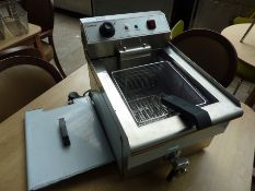 Infernus single tank fryer with drain to front