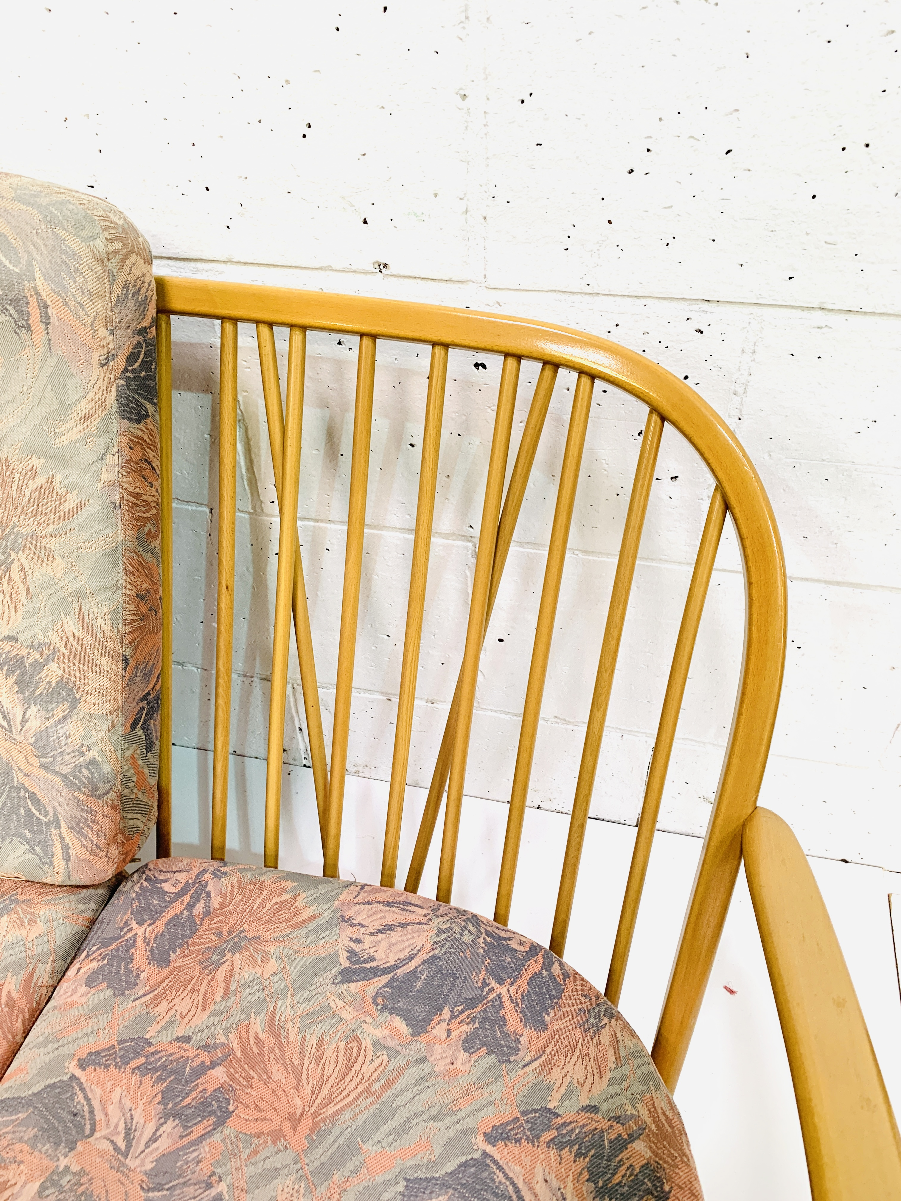 Ercol three seat sofa - Image 5 of 5