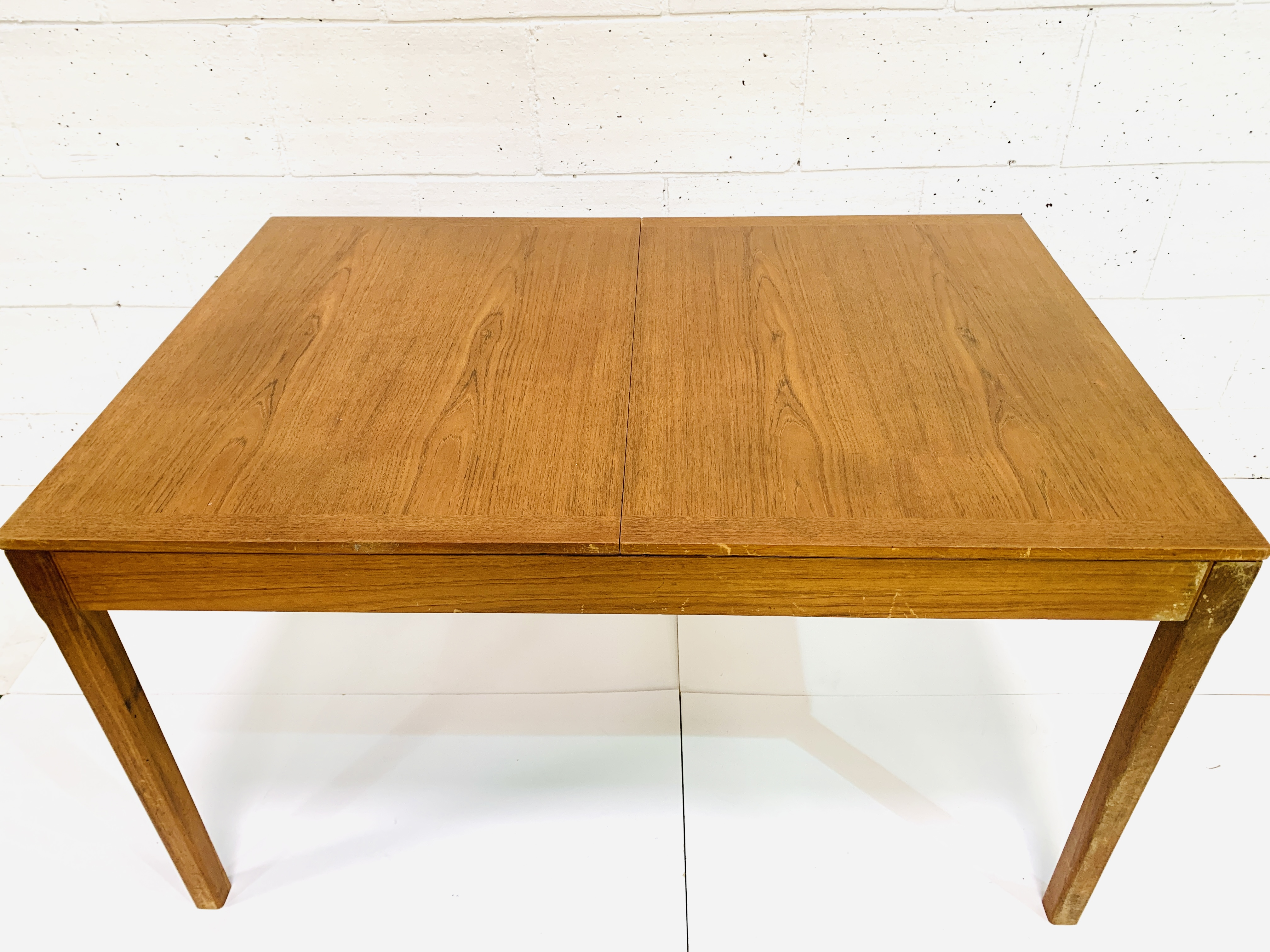 Teak extendable dining table - Image 2 of 4