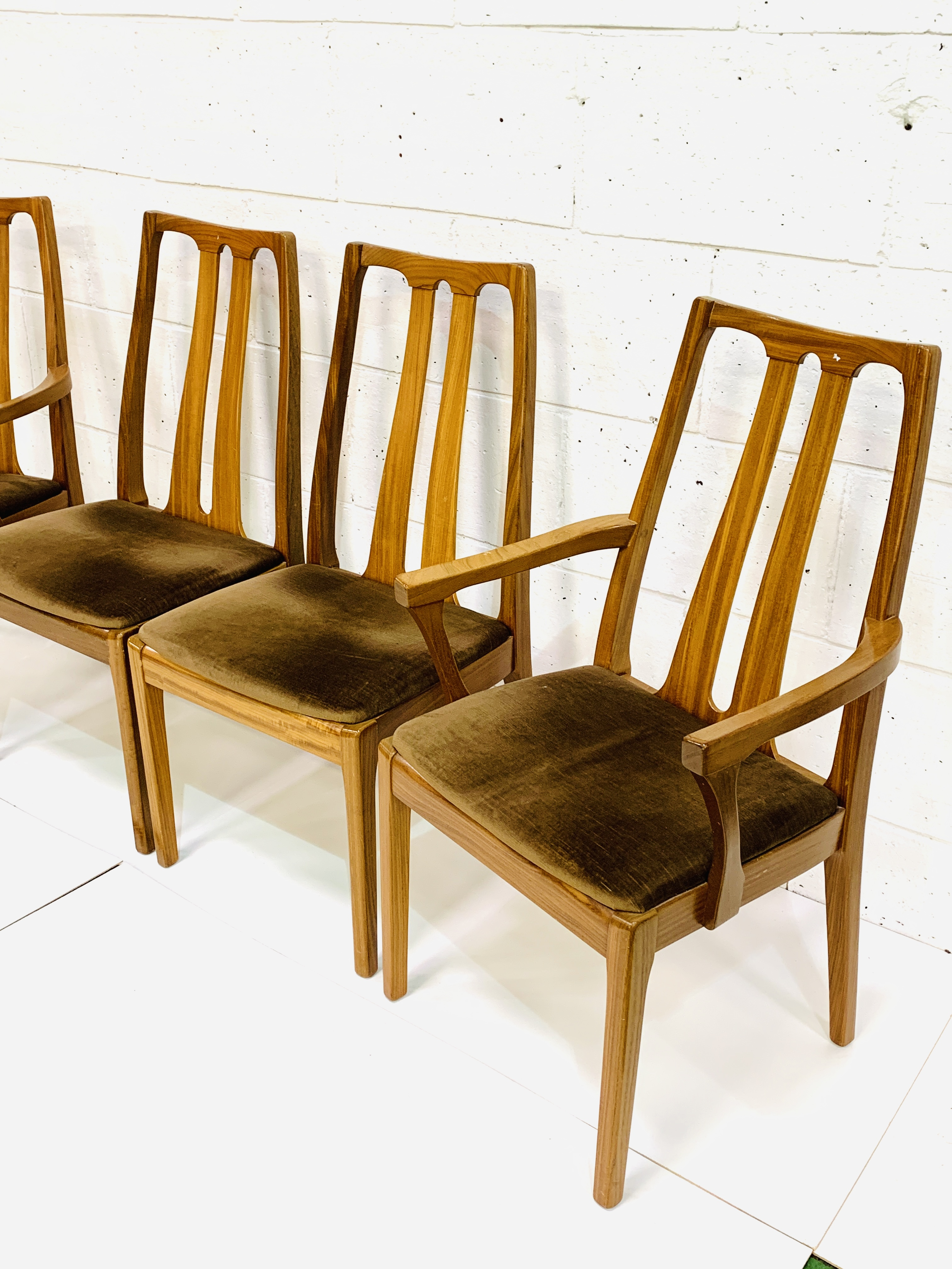 Group of four Nathan Furniture chairs - Image 2 of 6
