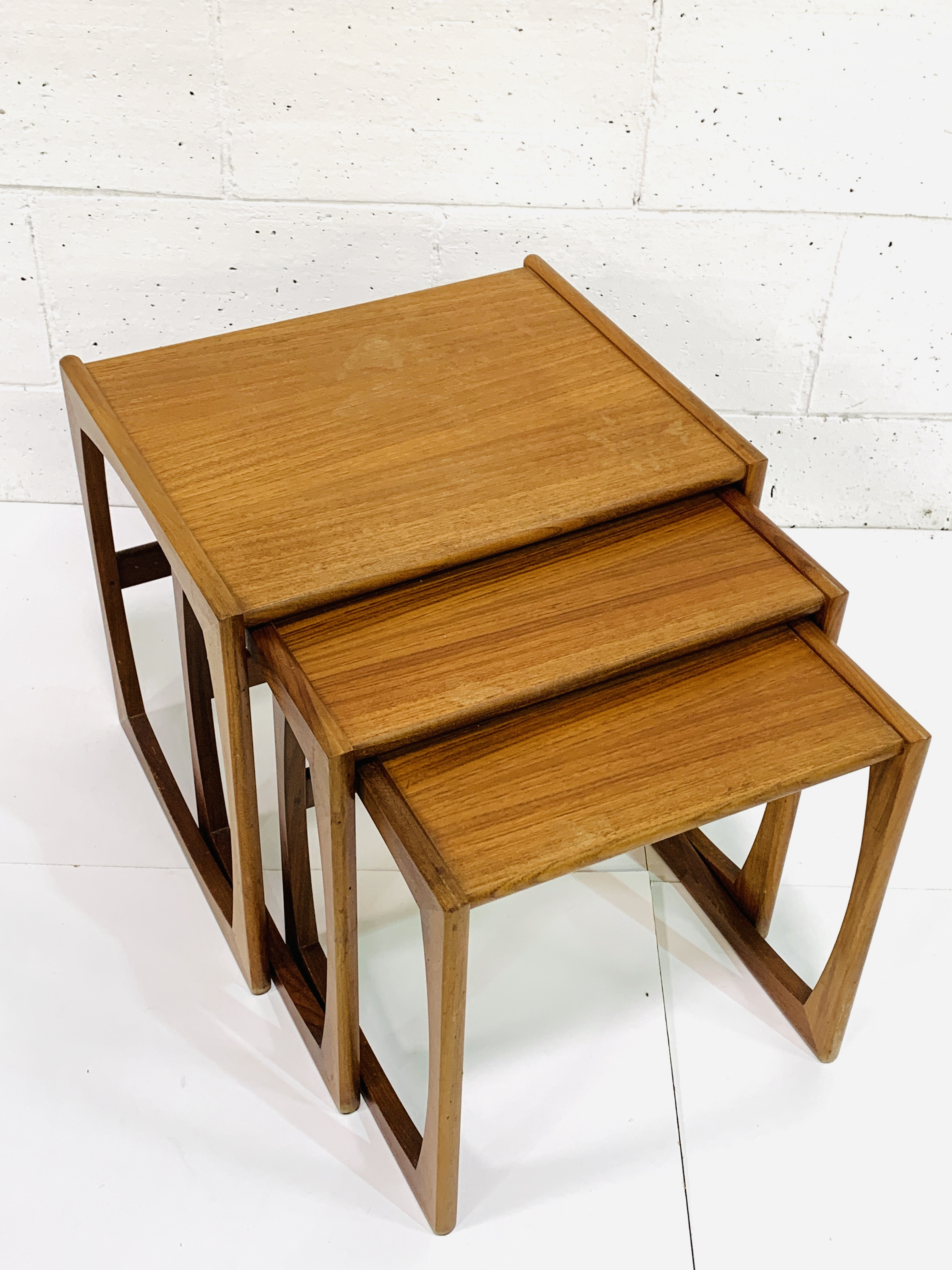 Nest of three teak tables by G-Plan - Image 3 of 3