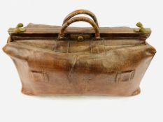 """Late 19th / early 20th Century large leather Gladstone bag, the lining stamped """"Louis Vuitton"""""""