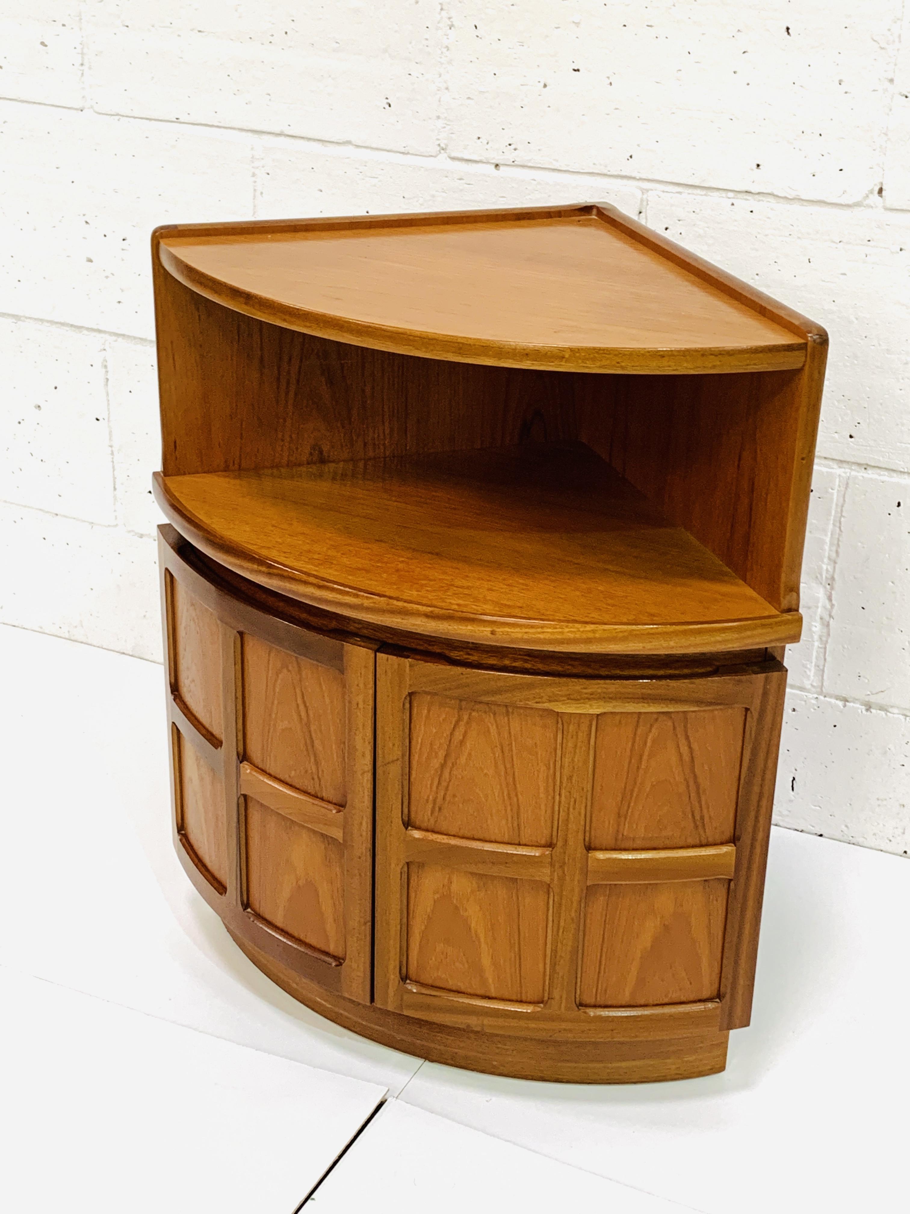 Nathan Furniture floor standing corner unit - Image 2 of 4