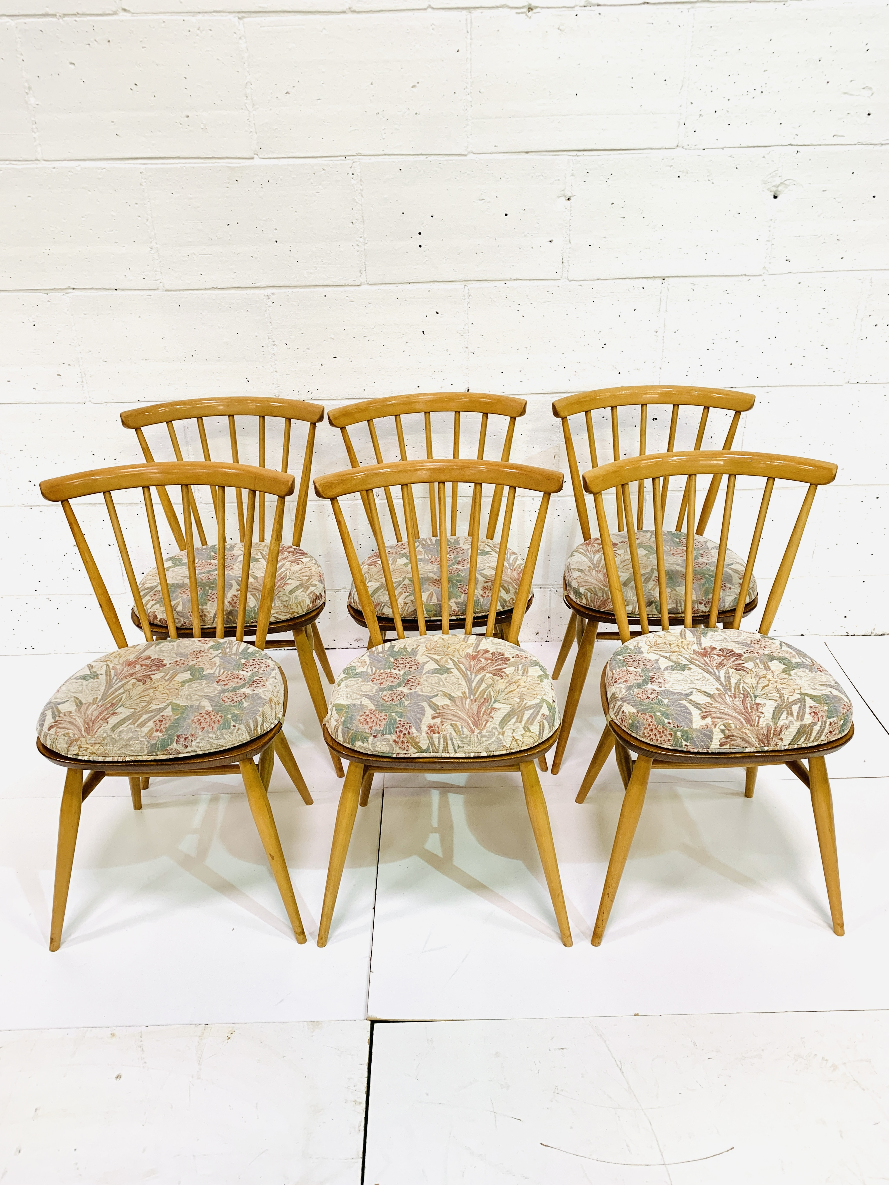Six Ercol railback chairs - Image 2 of 3