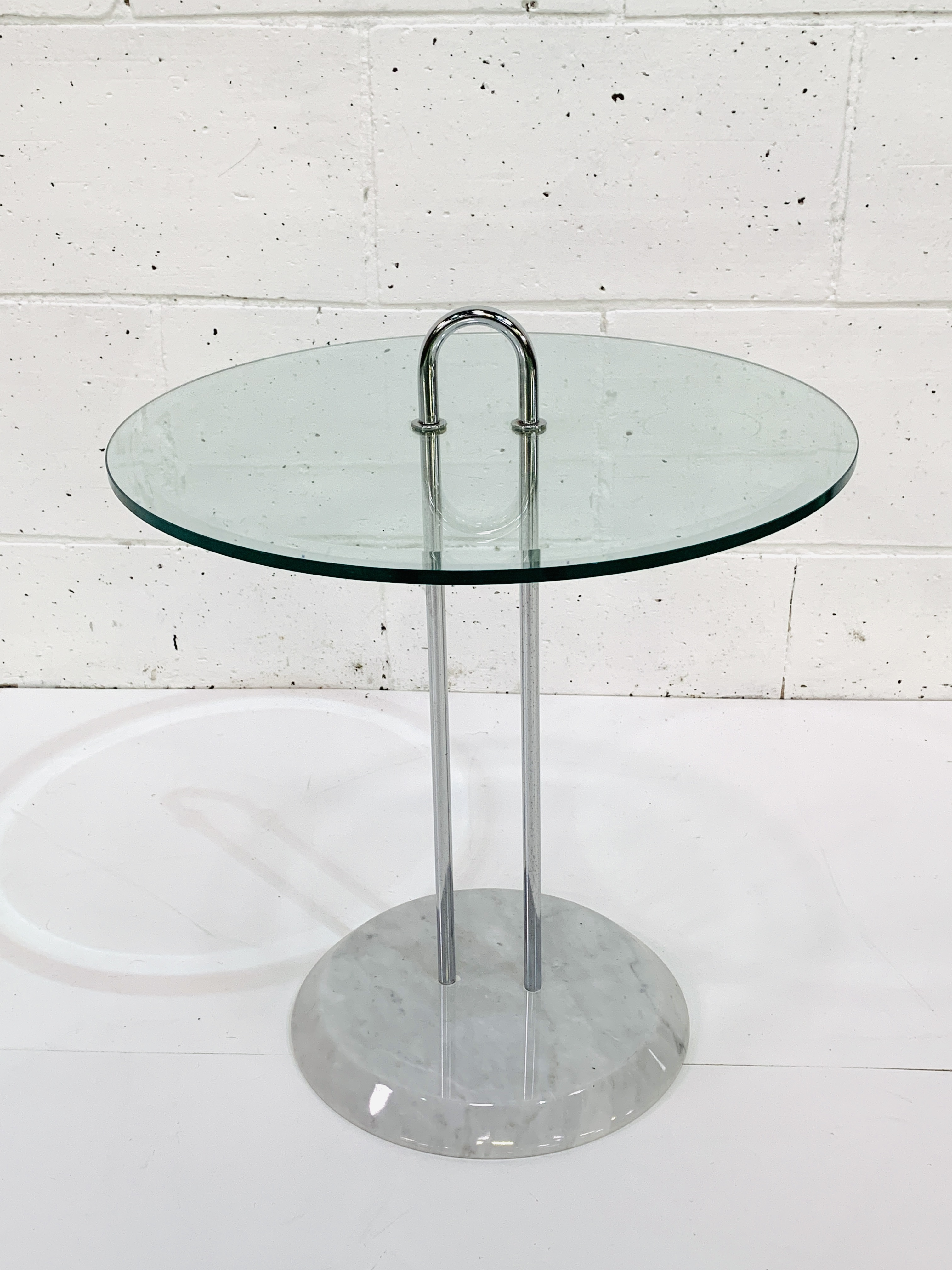 Circular bevelled edge glass top side table - Image 2 of 3
